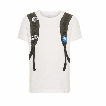 NAME IT Star Wars T-shirt Hvid - Fed t-shirt fra Name It med et mega fint Star Wars print, der giver illusionen af at dit barn har en fed rygsæk på! 100% økologisk bomuld. Vaskes ved 40 grader, undgå tørretumbler.